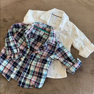 Set of 2 Boys long sleeve button down shirts